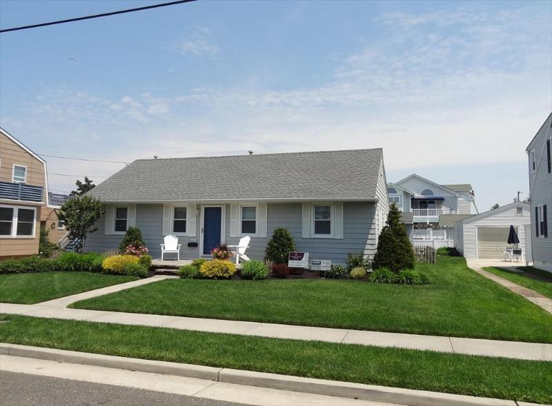 214 102nd Street Stone Harbor NJ Front Exterior View - 214 102nd Street in Stone Harbor, NJ - ID 526745 - Stone Harbor - rentals