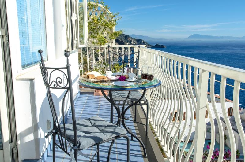 private balcony vwith sea view - Sapphirus a new beautiful restored property in Praiano - Praiano - rentals