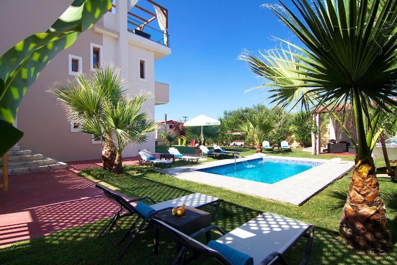 Villa Dimitrios, Luxury with Private pool&Jacuzzi! - Image 1 - Rethymnon Prefecture - rentals