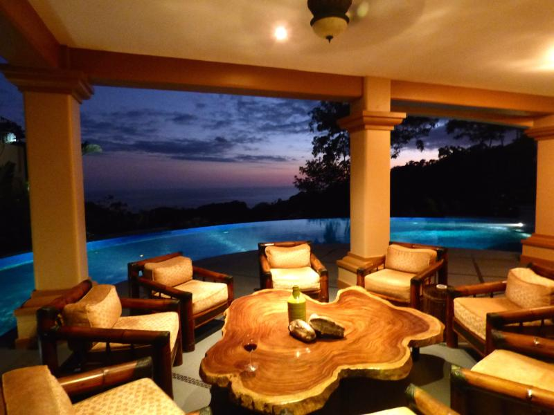 Sit and relax, enjoy the view of the tropical sunset - Mareas--Yoga Retreats, Destination Wedding-Reunion - Dominical - rentals
