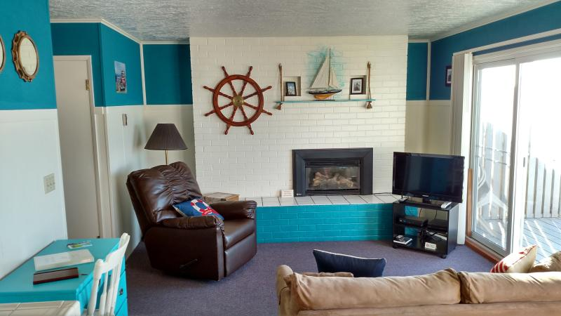Weatherly - 1 Bedroom Beachfront Condo - Image 1 - Lincoln City - rentals