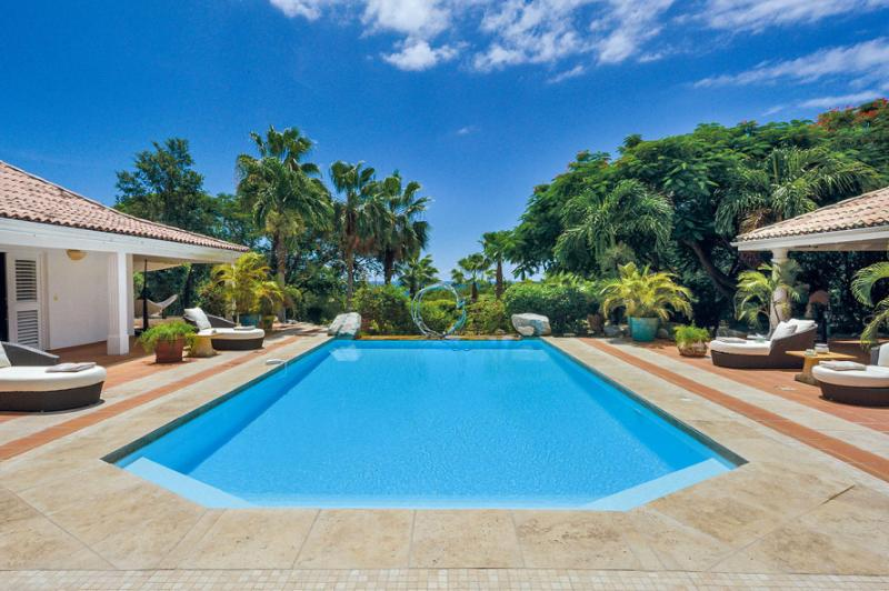 La Pinta, Terres Basses, St Martin 800 480 8555 - LA PINTA...4 master suites,Tennis Court & Gym, lovely pool area - Terres Basses - rentals
