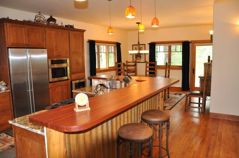 Engineer Village kitchen - Durango Mtn Home - Durango - rentals