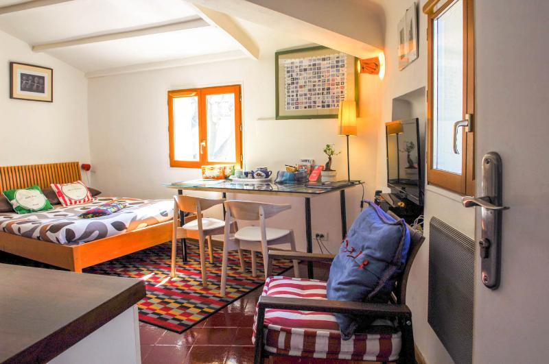 Precheurs Studio 1 - Image 1 - France - rentals