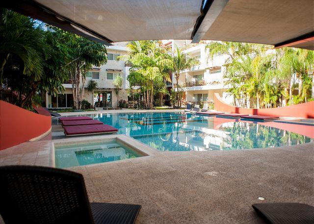 GREAT & QUIET * MAMITAS BEACH * GYM *JACUZZI * UP 6 PEOPLE * FREE INTERNET - Image 1 - Playa del Carmen - rentals