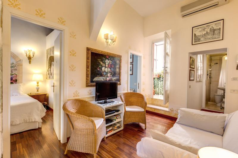 CENTRAL COLOSSEUM COZY FAMILY  APT WIFI + CELL - Image 1 - Rome - rentals