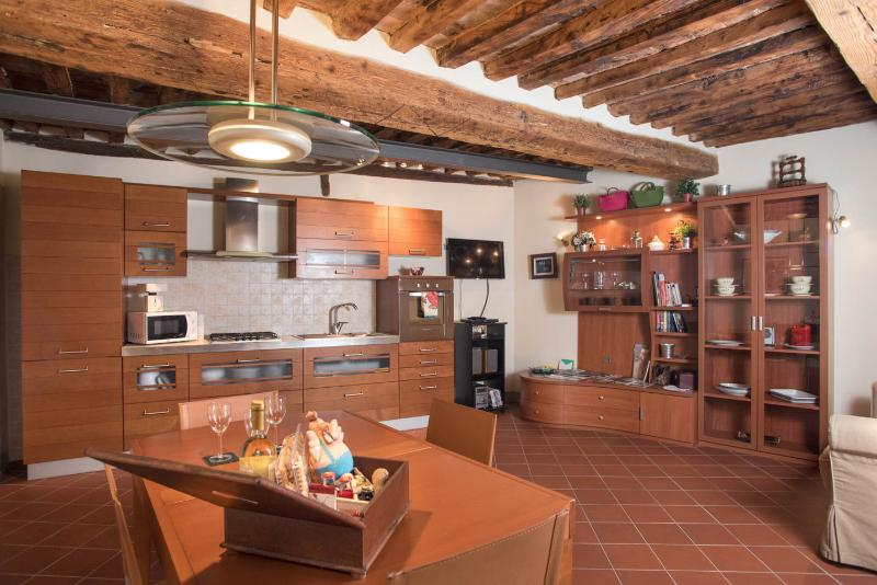 Guest House at Casa Gemma in Lucca - Image 1 - Lucca - rentals