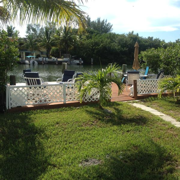 Relax in your lovely backyard - Fishermen's Haven w/Dock, Fish Station, Near Beach - Marathon - rentals