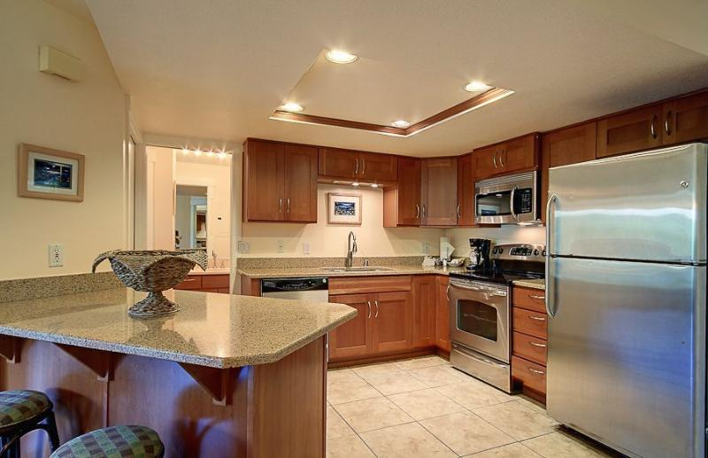 Kitchen - Oceanfront Condo at Beach in Kihei Kam II - Views! - Kihei - rentals