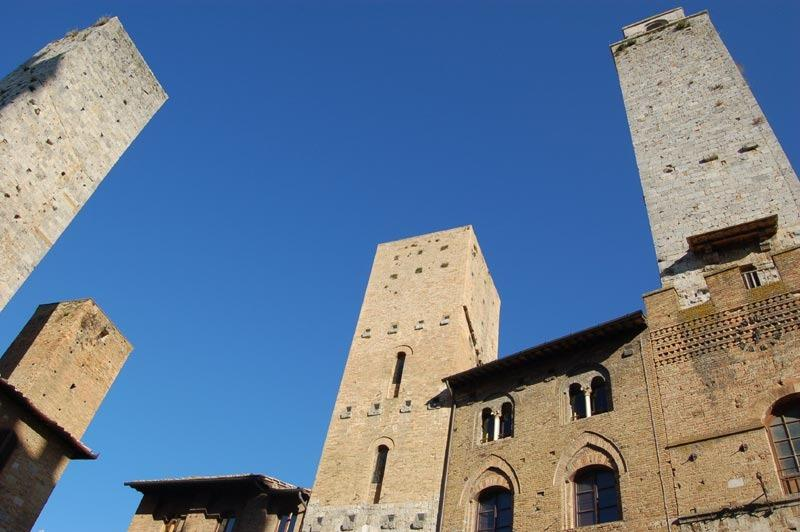The view on the Piazza del Duomo. - Immersive Apartment 2 Bedrooms Vacation Rental - San Gimignano - rentals