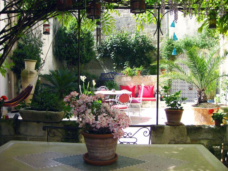 Charming house in Avignon city - Image 1 - Avignon - rentals