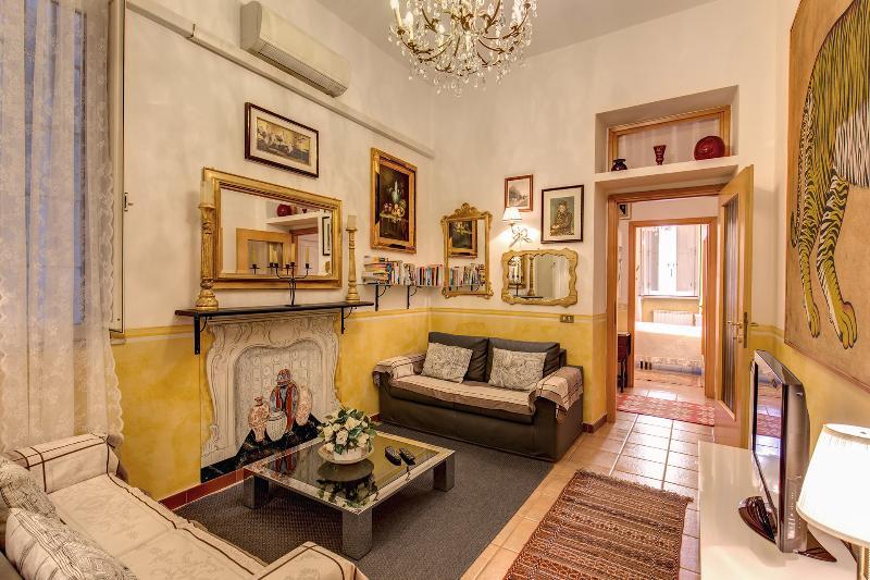 VERY CENTRAL  NAVONA/CAMPO DE FIORI QUITE WI FI - Image 1 - Rome - rentals