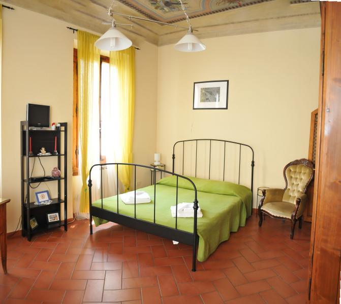 SAN ZANOBI APARTMENT - Image 1 - Florence - rentals