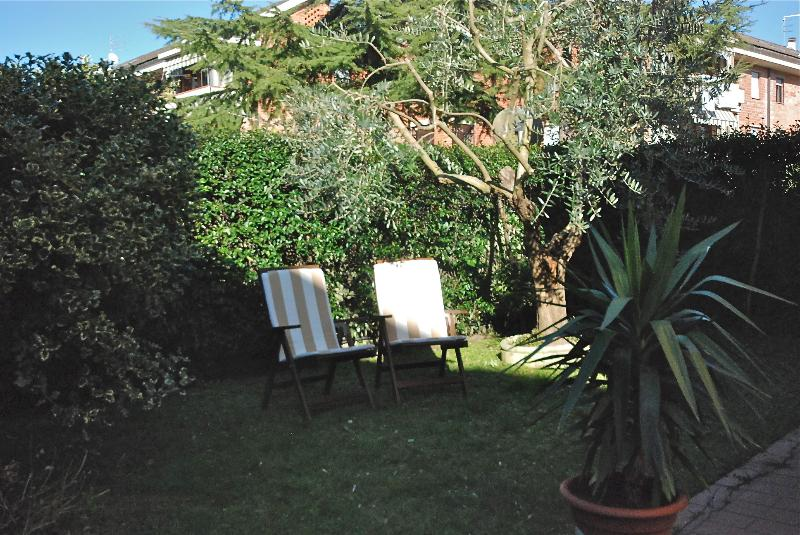 Lucca, Ai Ghiselli - the Garden - Lovely apt with garden a few step from Lucca's Wal - Lucca - rentals