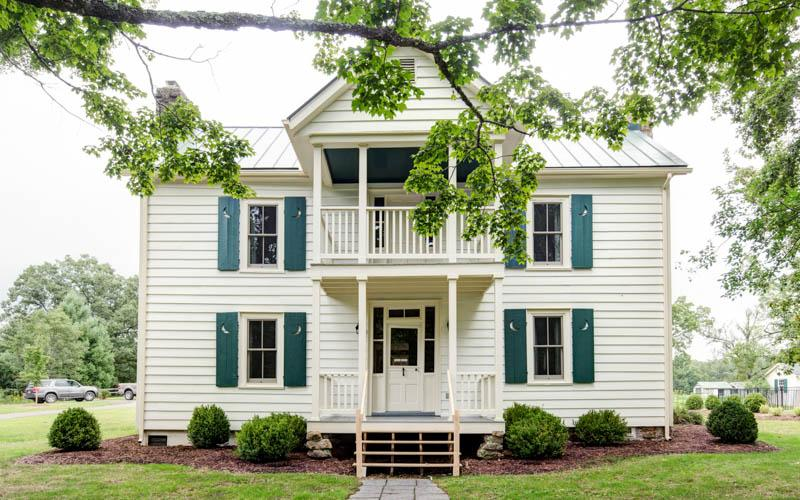 1860's House - A wonderful 4 bed restored farmhouse located within Meadow Lane - Image 1 - Hot Springs - rentals