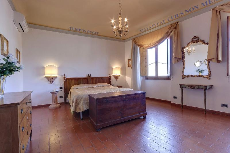 Toscanella 3 Bedroom Vacation Rental in Florence - Image 1 - Florence - rentals