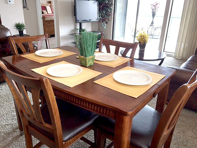 Kitchen Table - it expands - Upscale Branson Condo at Budget Price!-2 Kings! - Branson - rentals