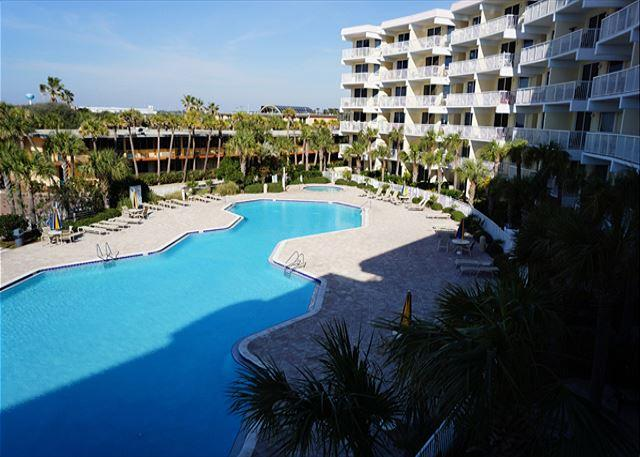 BEACHFRONT! GREAT VIEWS SLEEPS 9! OPEN 7/4-11!  CALL BEFORE ITS GONE! - Image 1 - Fort Walton Beach - rentals