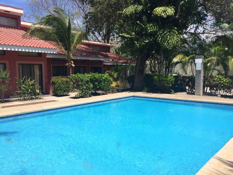 Relax and walk to the Beach in Playas del Coco - Image 1 - Playas del Coco - rentals