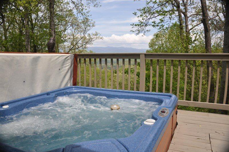 The Pristine Smoky Mountains Rise Before You - Mountain River Retreat - 2 Bedroom with Screened Porch, Hot Tub, and Wi-Fi Moments from Rafting and Zip Lining - Bryson City - rentals