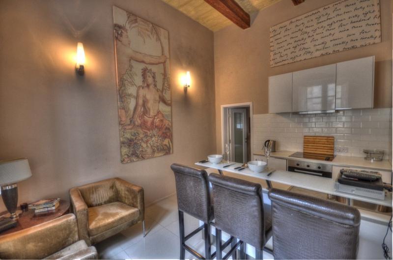Stylish Studio Apartment In The Heart Of Valletta - Image 1 - Valletta - rentals