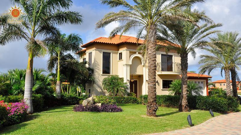 Luxury 4 bedroom Villa at Gold Coast - Gold Coast Luxury 3 BD Villa at Malmok Beach - Malmok Beach - rentals