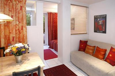 Parc de Madrid, Cozy 1 Bedroom Cannes Vacation Rental with a Balcony - Image 1 - Cannes - rentals