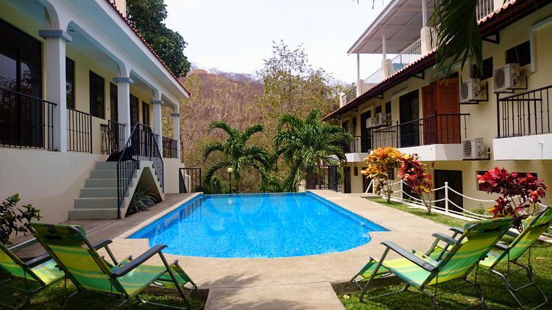 Infinity pool , crystal clear water. - EZ  RENT, EZ TO FIND,EZ PRICE, INFI POOL EZ 15 - Playas del Coco - rentals