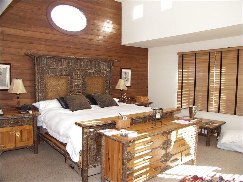 Master Suite - Vintage West End Home - View of Ajax Mountain (6023) - Aspen - rentals