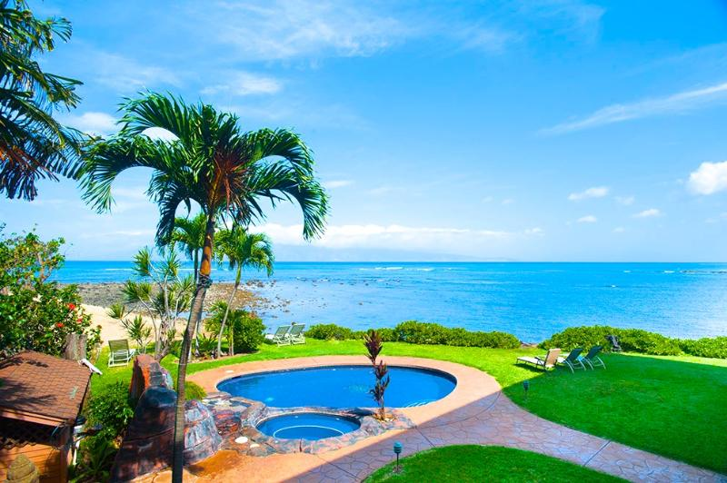View from the second floor of the Maui Bali style Villa - LUXURY for Villa w/ pool-Maui- 4 suite Villa Beach - Paia - rentals