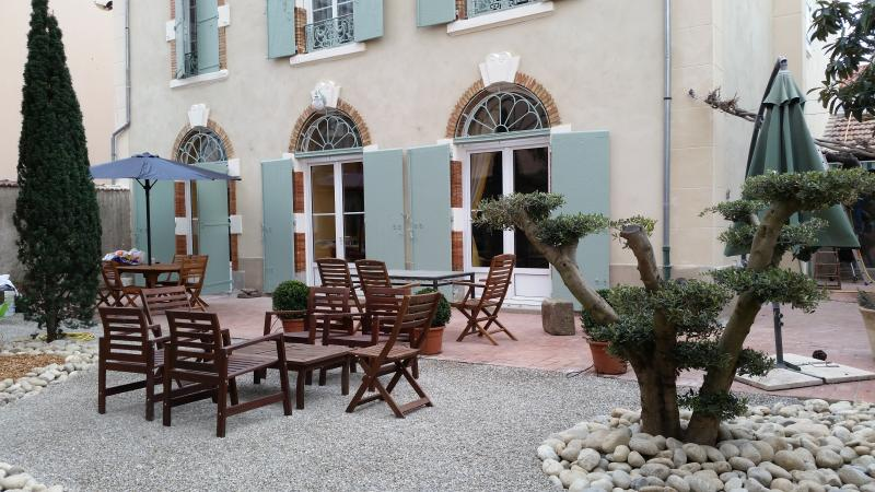 Maison Juliette: luxury 4BR in Carcassonne center - Image 1 - Carcassonne - rentals