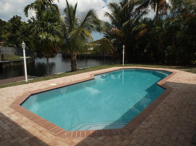 SINGLE FAMILY HOUSE   PRIVATE HEATED POOL & DOCK - Image 1 - Fort Lauderdale - rentals