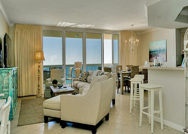 BEAUTIFUL LIVING ROOM - BEACHFRONT LUXURY FOR 10! OPEN 8/29-9/5! TAKE 5% OFF! - Destin - rentals