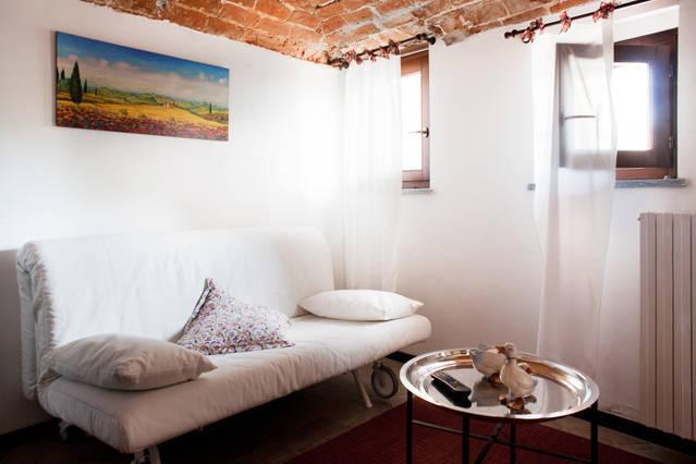 Cà Borgo Vecchio: Papaveri apartment - Image 1 - Brusasco - rentals