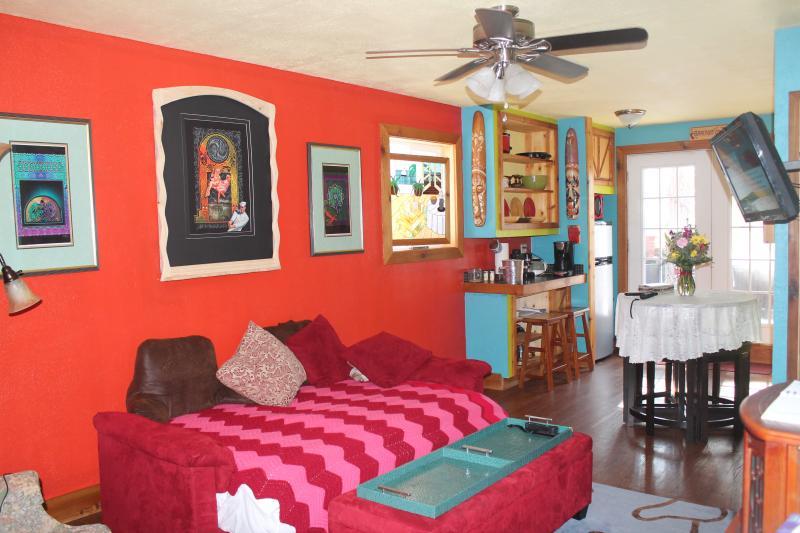 WELCOME! - Smiling Pines Bed and Breakfast - Eureka Springs - rentals
