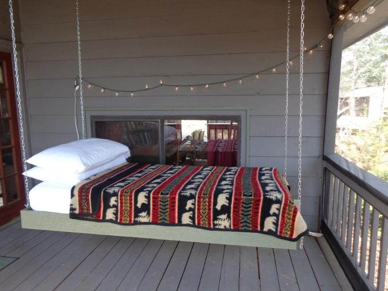 Hanging Bed on Screened in Porch! - HANGING BED ON PORCH! Real Mnt. Cabin. Yoga Studio - Blue Ridge - rentals