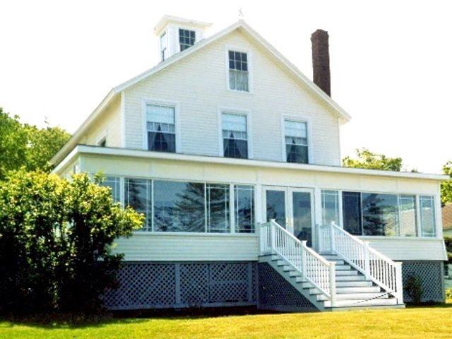 110 year old Villa.  Old bones but very contemporary heart. - THE VILLA | EAST BOOTHBAY, MAINE | OCEAN VIEWS | LINEKIN BAY | ROMANTIC GETAWAY | FAMILY VACATION | OCEAN POINT COLONY TRUST - Boothbay - rentals