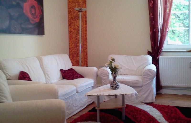 Living Room (1) - Vacation Apartment in Munich - 861 sqft, bright, comfortable (# 4727) - Munich - rentals