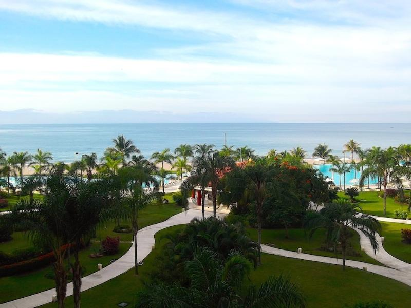 Bay View Grand D 403 - Image 1 - Puerto Vallarta - rentals