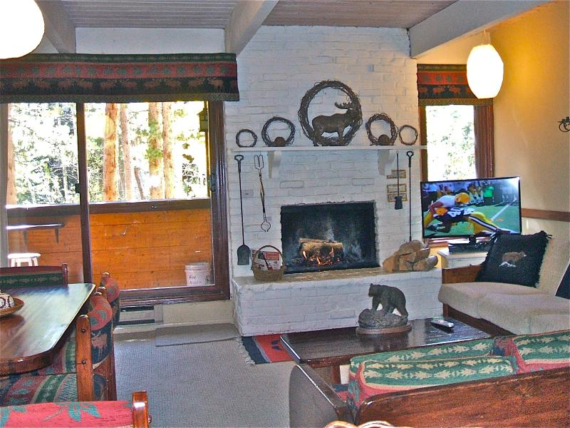 Great room --living, dining nd  kitchen. - TOP 2BR WALK/SKI TO ALL.WIFI, FP, 4 HOTTUBS, POOL - Breckenridge - rentals