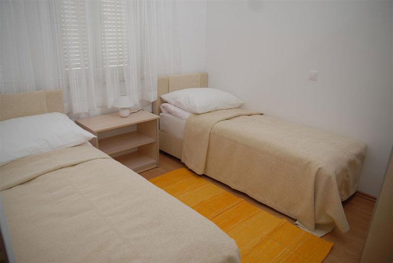 Lovely apartment Bety 4 for 5pax in Novalja - Image 1 - Novalja - rentals