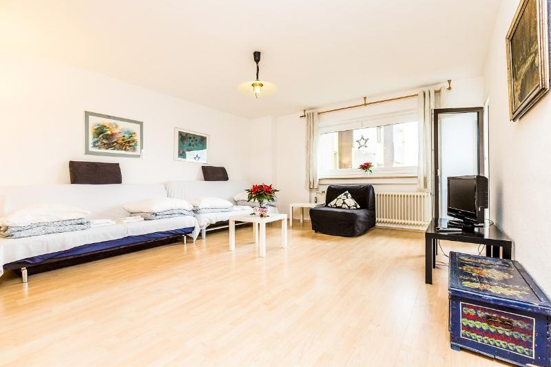 nice apartment with two rooms - 08 Holiday Apartment Cologne in quite surrounding - Cologne - rentals
