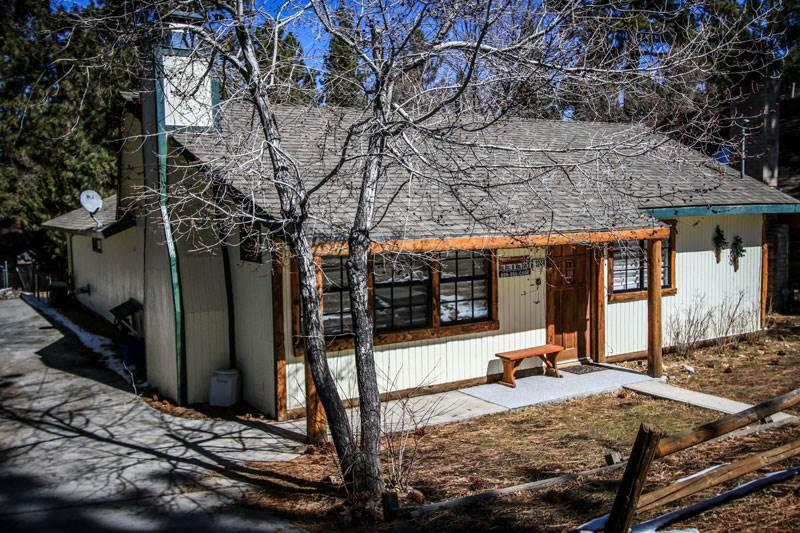 Murphy's Cabin #1326 - Image 1 - Big Bear City - rentals