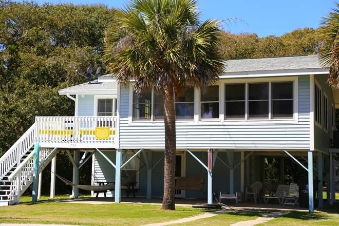 "705 Palmetto Blvd - ""Nancy's Fancy - Image 1 - Edisto Beach - rentals"
