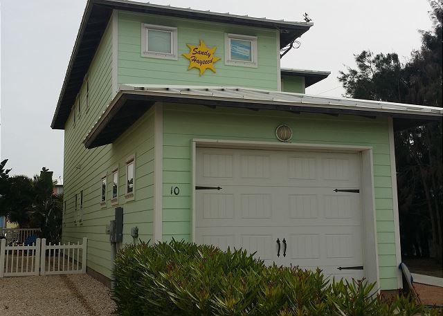 4 bedroom 2 1/2 bath home in the heart of Port Aransas! - Image 1 - Port Aransas - rentals