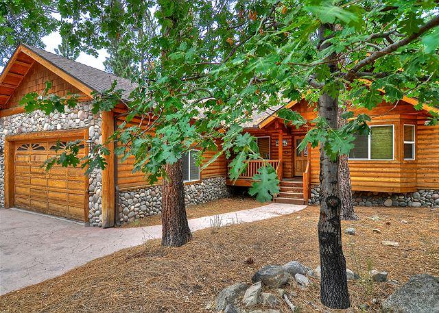 Beautiful Snow Summit home! Walk to the slopes! Enjoy the spa and pool table! - Image 1 - Big Bear Area - rentals