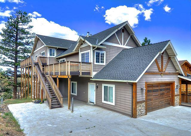 Sky High Estate has amazing lake views! Spa and Pool Table! - Image 1 - Big Bear Area - rentals