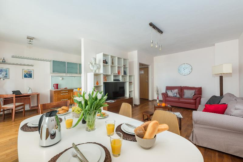 P&O Arkadia 2, next to metro and Old Town! - Image 1 - Warsaw - rentals