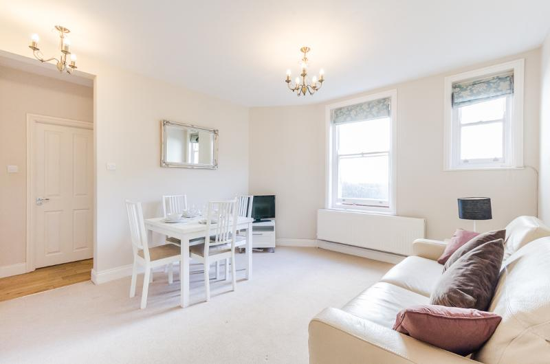 Superb 1 bedroom flat in Chelsea/Kensington - Image 1 - London - rentals