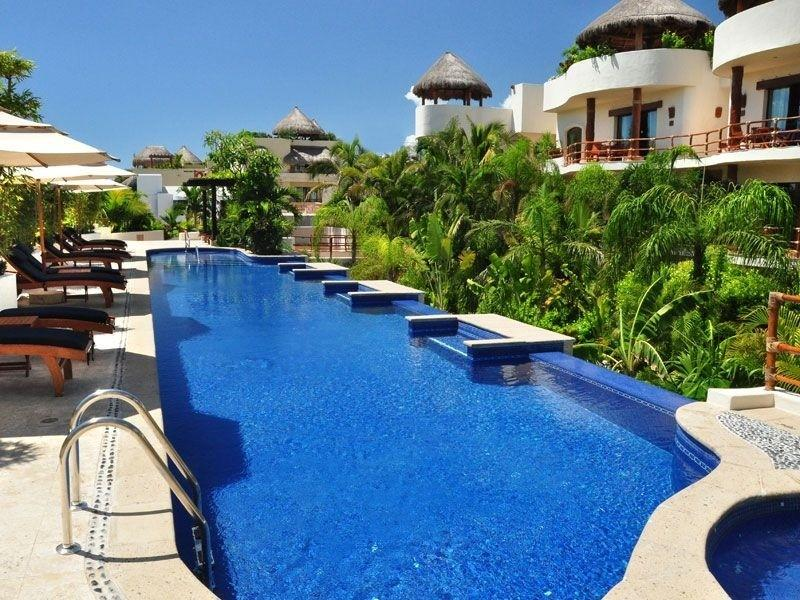 Large pool with loungers - Porto Playa Luxury Condos - Saint Eustatius - rentals